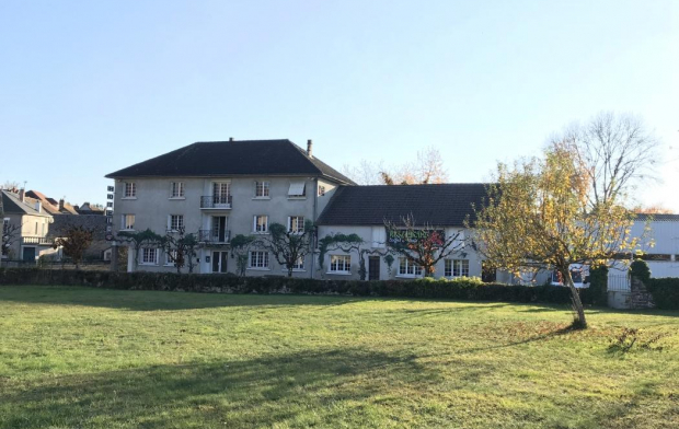AGENCE IMMO COUR ET JARDIN Immeuble | LUBERSAC (19210) | 500 m2 | 117 500 €